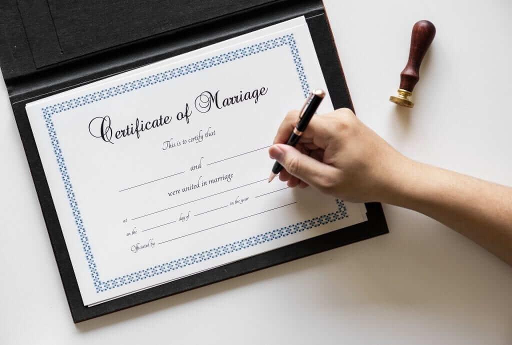 """תרגום ביורוקרטיה של נישואים אזרחיים בחו""""ל"""