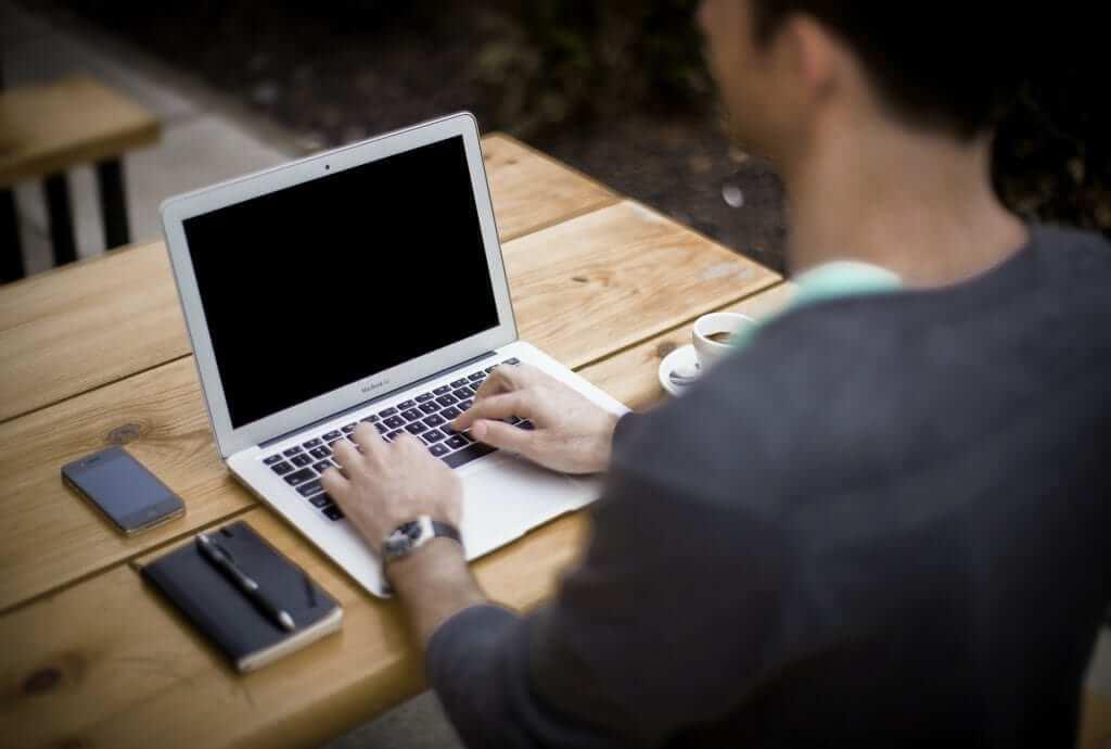 האם כדאי להזמין שירותי תמלול באינטרנט?